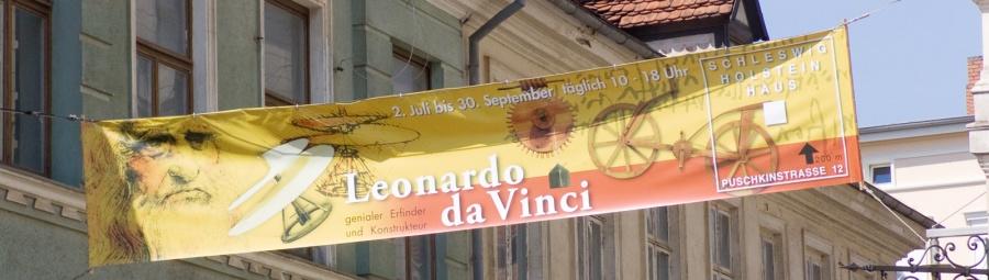 Strassenbanner Leonardo Da-Vinci Ausstellung in Schwerin