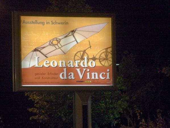 Megalight-Plakat der Leonardo Da-Vinci Ausstellung in Schwerin